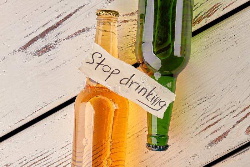 L'alcoolisme n'est pas un verdict photos libres de droits
