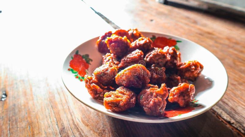 L'alimento fritto è tradizionale in Tailandia la parte unica del paese immagine stock
