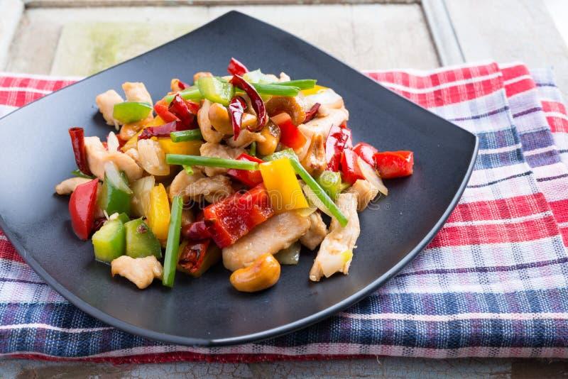 L'alimento tailandese, stir ha infornato il pollo con gli anacardi fotografia stock libera da diritti