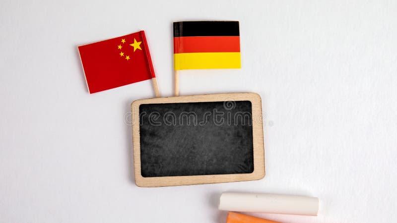 L'Allemagne et les drapeaux chinois photos stock