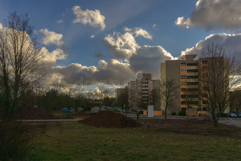 , L'ALLEMAGNE - JANVIER 21,2018 : Eugen-Bolz-Strasse là sont beaucoup de vieux et grands immeubles images stock