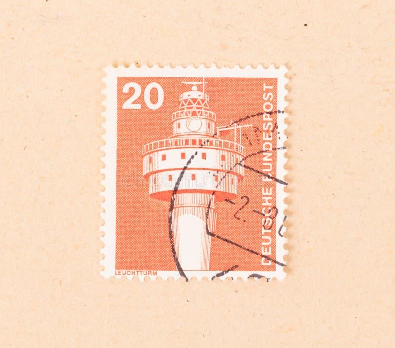 L'ALLEMAGNE - VERS 1980 : Un timbre imprim? en Allemagne montre une tour de communication, vers 1980 photos libres de droits