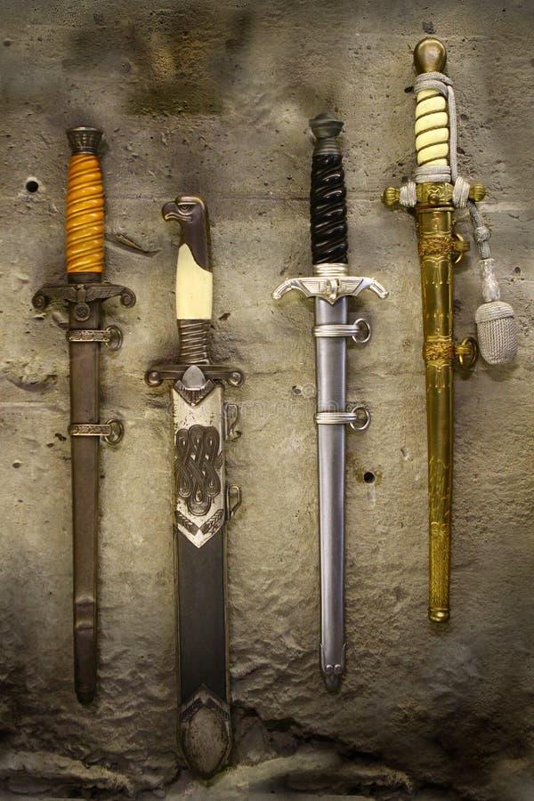 L'Allemand commande la dague de couteaux images stock