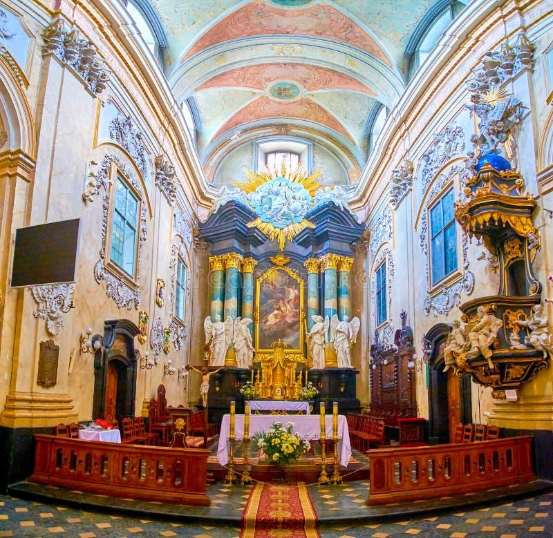 L'altare di St Michael e della st Stanislaus Church a Cracovia, Polonia immagini stock libere da diritti