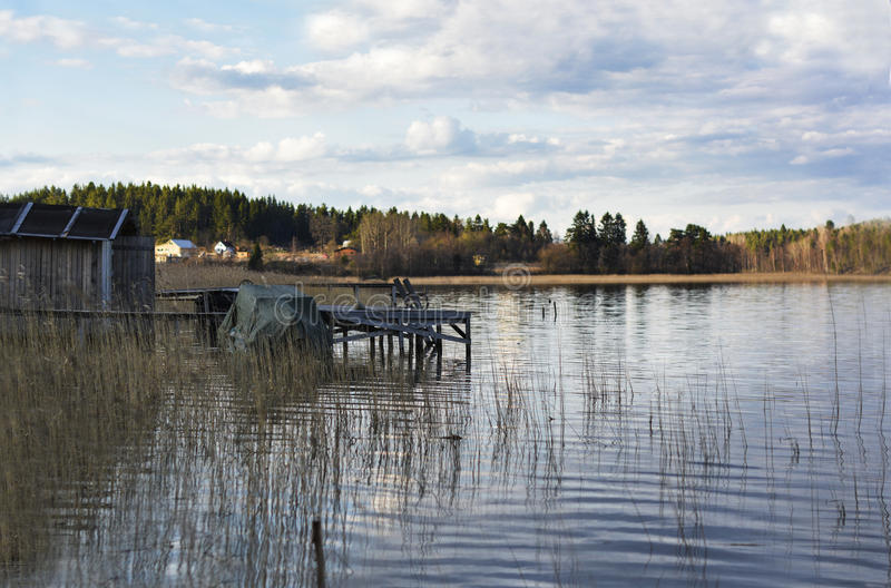 L'amarrage sur le lac image stock
