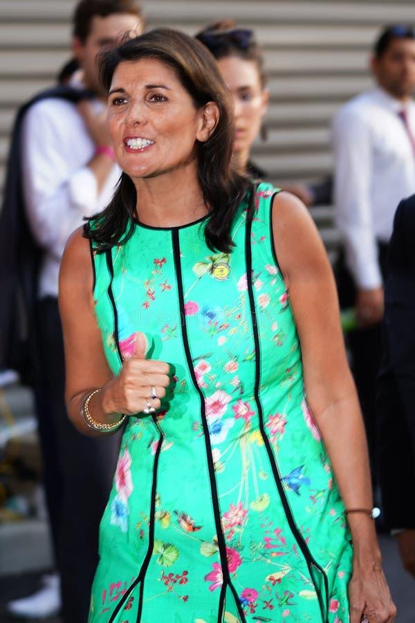 L'ambassadeur des Etats-Unis aux Nations Unies Nikki Haley assiste à la session 2018 de jour d'US Open au centre national de tenn images stock