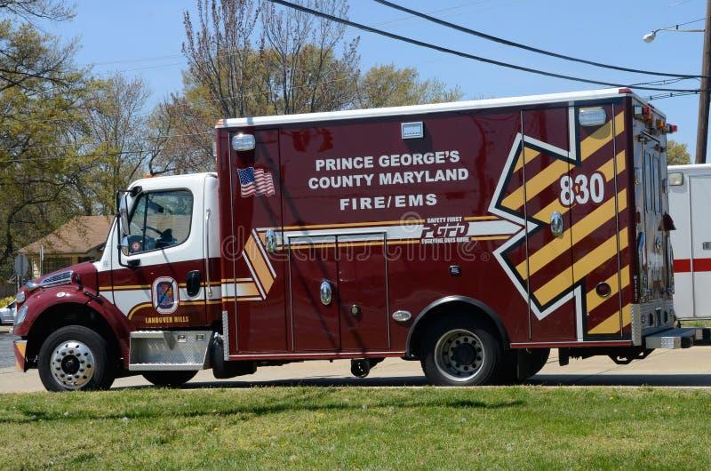 L'ambulance se repose sur la rampe avant photographie stock