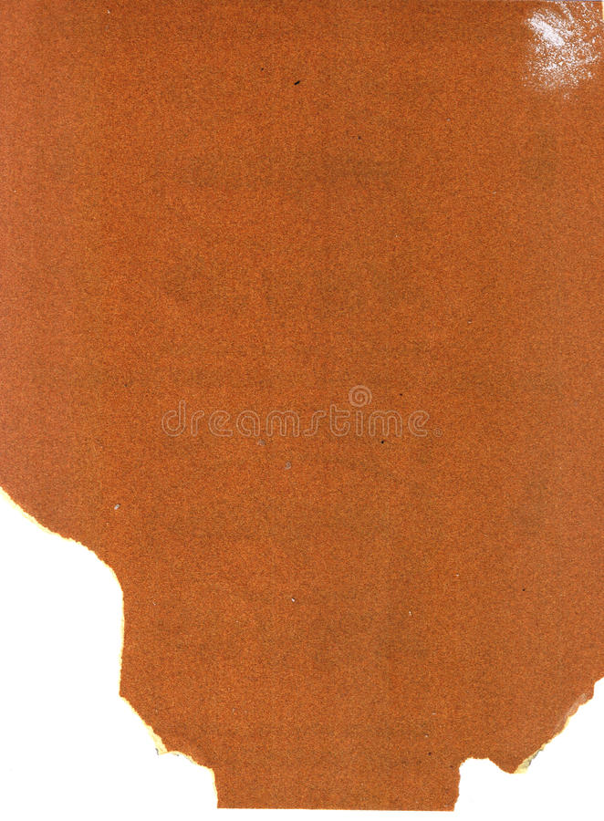 L'amende a employé le papier sablé de papier à l'émeri avec les bords en lambeaux sur le fond blanc photographie stock