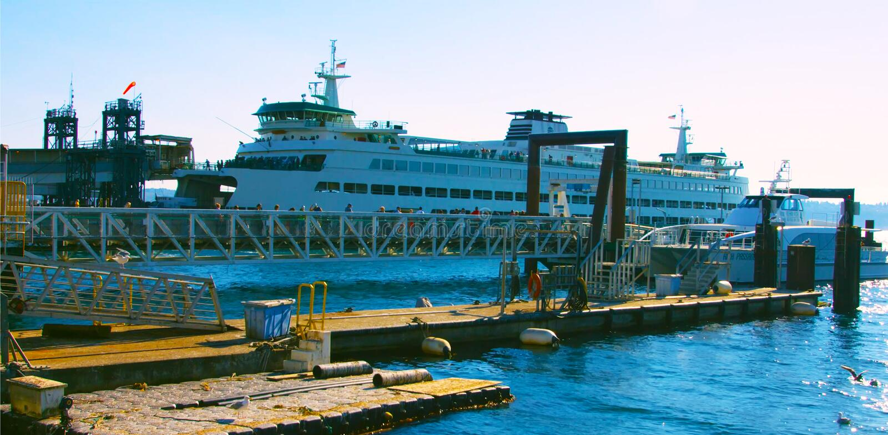 L'AMI 6, navigation guidée de Seattle, Washington, Etats-Unis de bateau de croisière de 2019 touristes à travers la baie d'Elliot photos stock