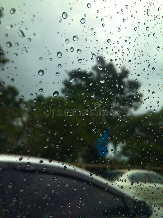 L'amore è come una pioggia che viene ed andato fotografie stock