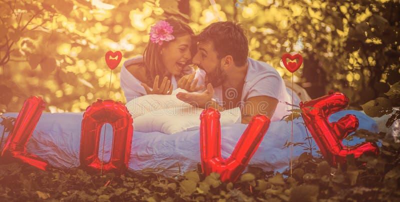 L'amore dovrebbe essere celebrato ogni giorno immagine stock