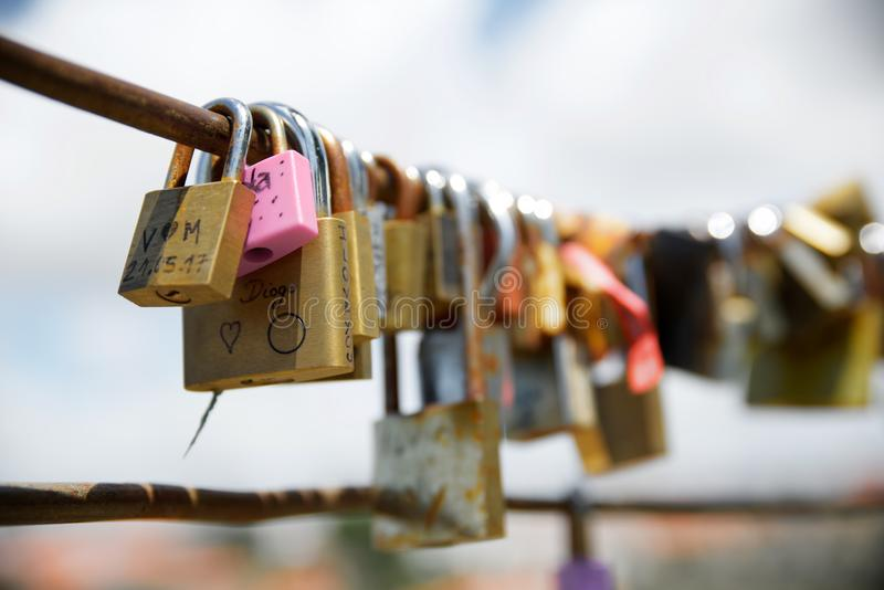 L'amore padlocks la vista immagine stock
