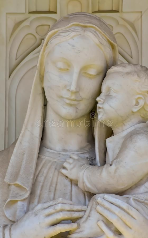 L'amour de la mère et de l'enfant image libre de droits