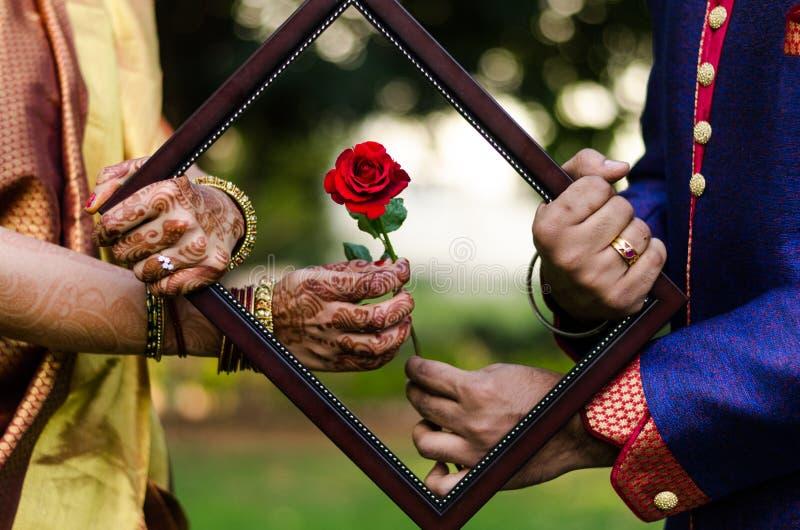 L'amour est dans le cadre photos libres de droits