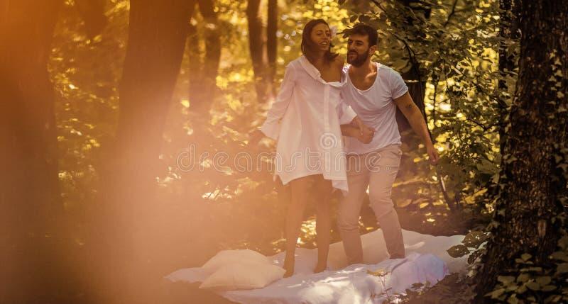 L'amour est toujours amusement et beau images stock