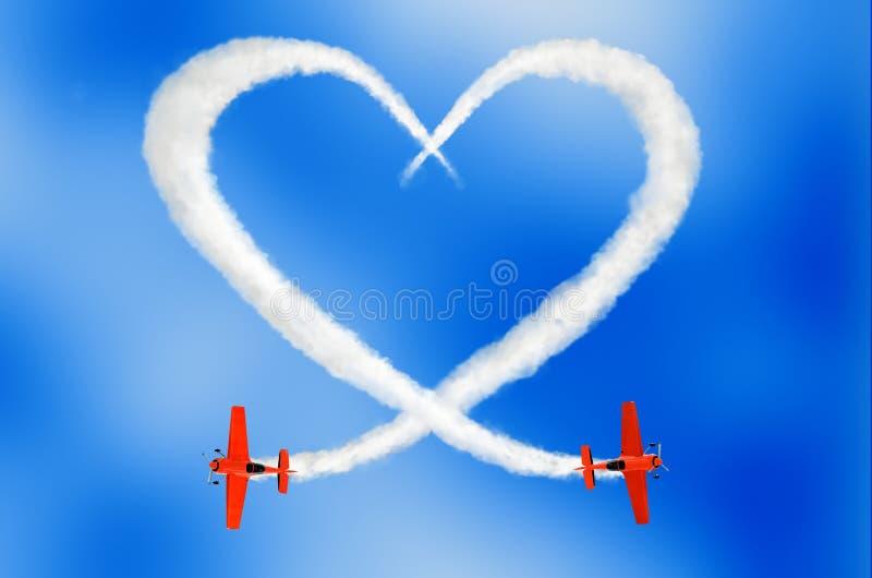 L'amour nuageux est dans le concept d'air photos libres de droits