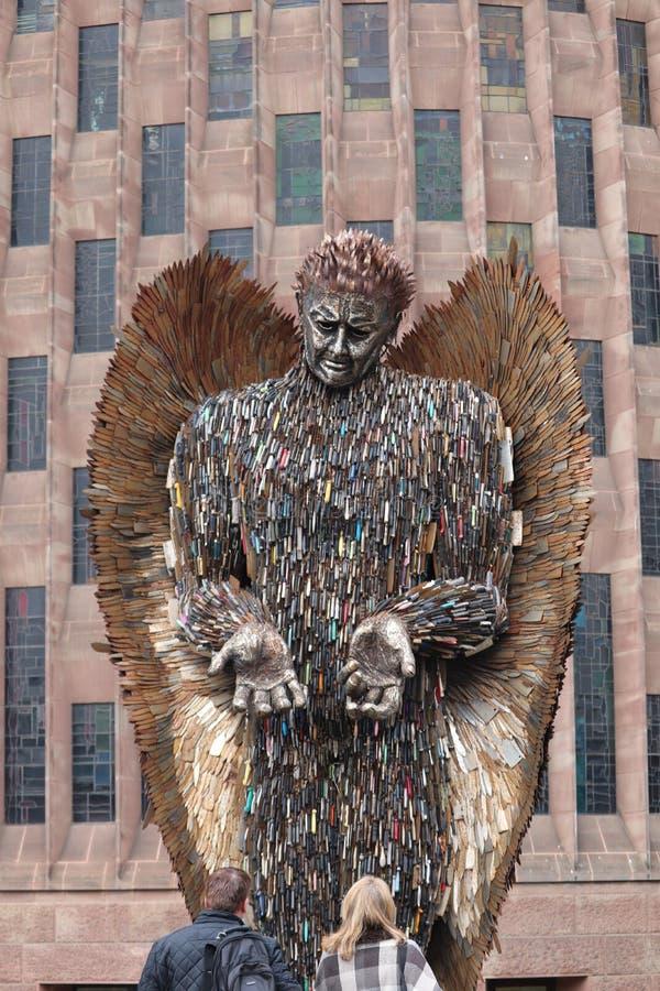 L'angelo del coltello descrive il pericolo ed il crimine del coltello immagine stock