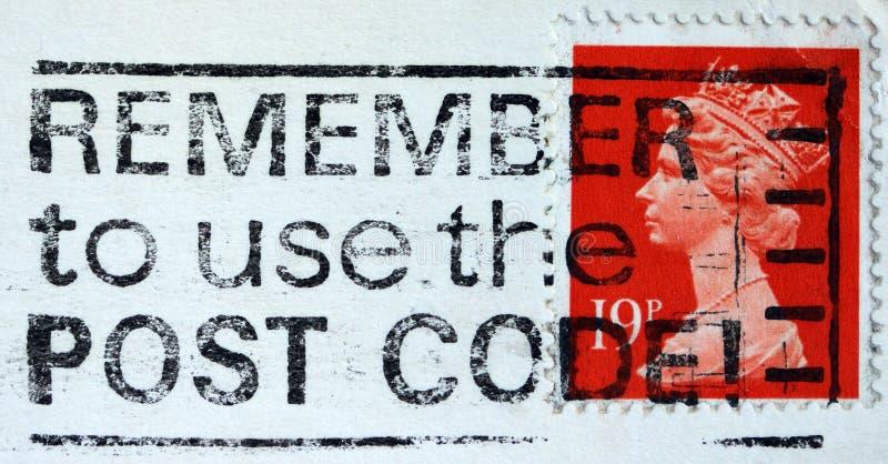 L'anglais a employé le timbre-poste montrant le portrait de la Reine Elizabeth 2ème photo stock