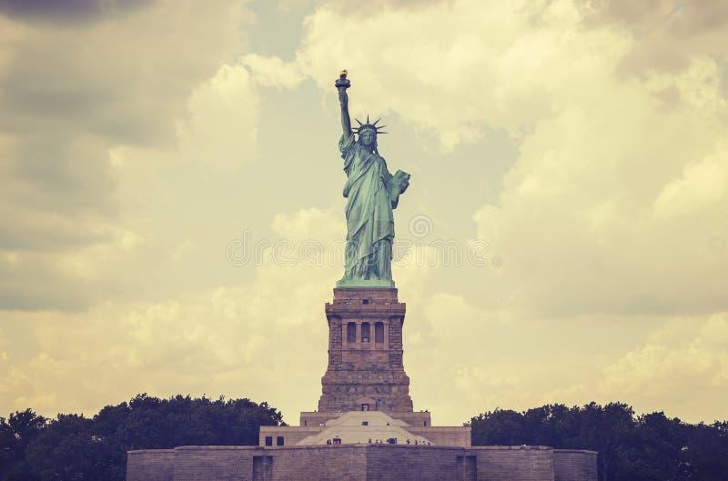 L'annata ha tonificato la statua della libertà, NYC, U.S.A. fotografia stock