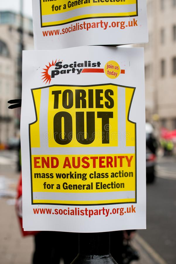 L'anti manifesto di governo visto alla Gran-Bretagna ora è rotto elezione generale/dimostrazione a Londra fotografia stock