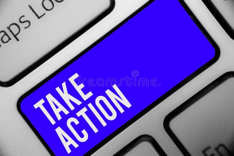 L'apparence de note d'écriture agissent Conseils de présentation de photo d'affaires quelqu'un pour faire le clavier KE bleu de q illustration libre de droits