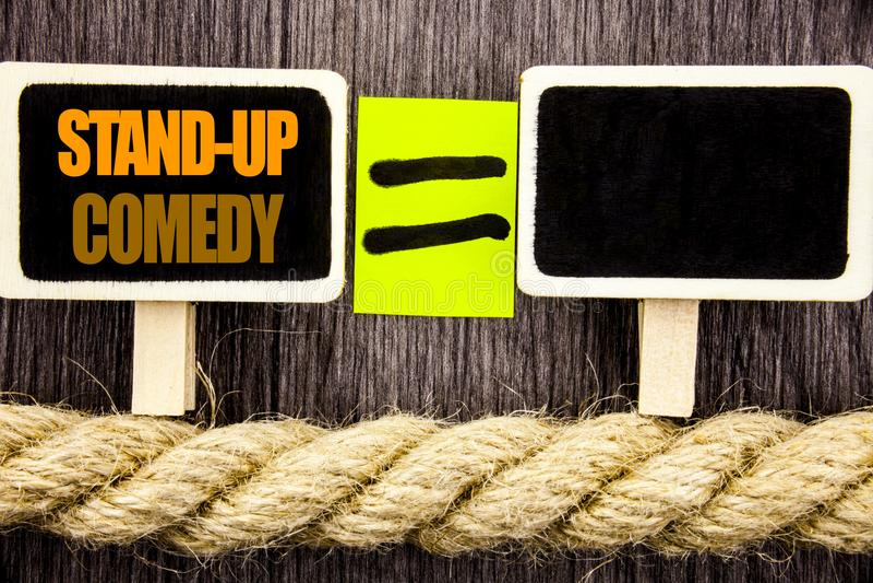 L'apparence de Ttext tiennent la comédie Concept d'affaires pour le comédien Night d'exposition d'amusement de club de divertisse photos libres de droits