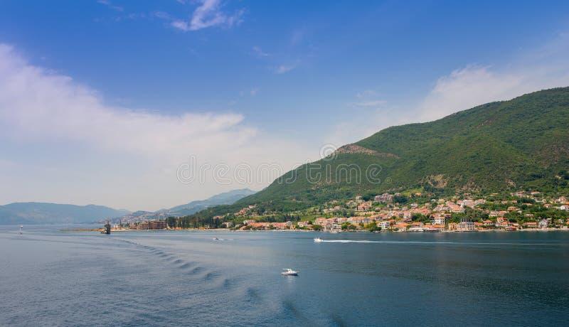 Download L'approche à Kotor photo stock. Image du golfe, château - 56483874