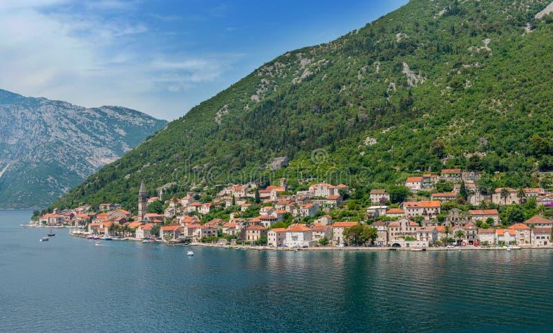 Download L'approche à Kotor image stock. Image du golfe, ville - 56484893