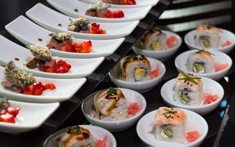 L'approvvigionamento, il freddo fa un spuntino, alimento gastronomico, buffet di self service fotografia stock
