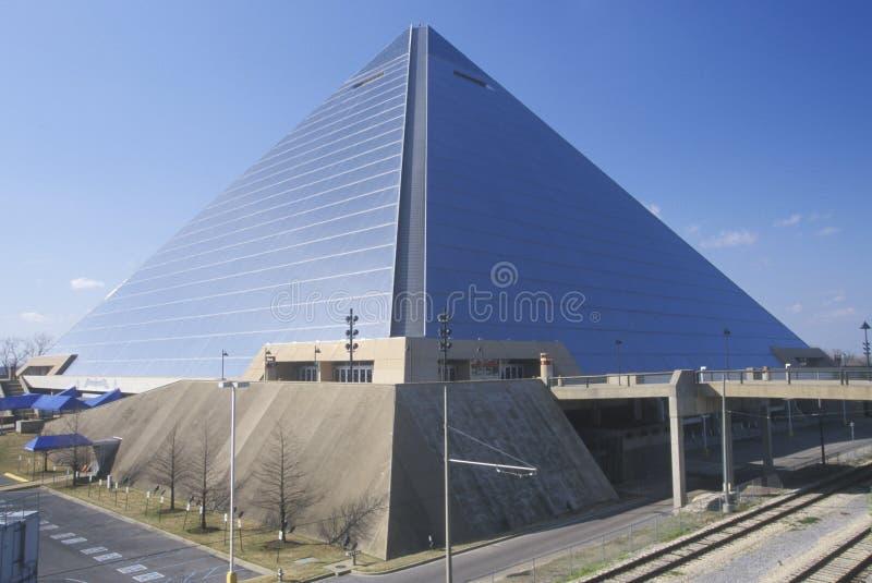 L'arène de sports de pyramide à Memphis, TN image stock