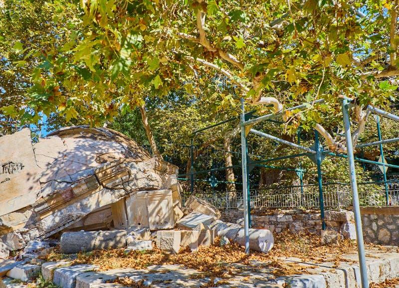 L'arbre de la mosquée de Hippocrate et de Gazi Hassan Kos, Grèce images stock