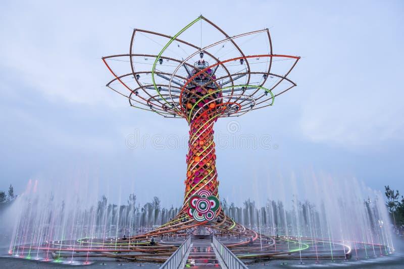 L'arbre de la vie à l'expo 2015 à Milan, Italie image libre de droits