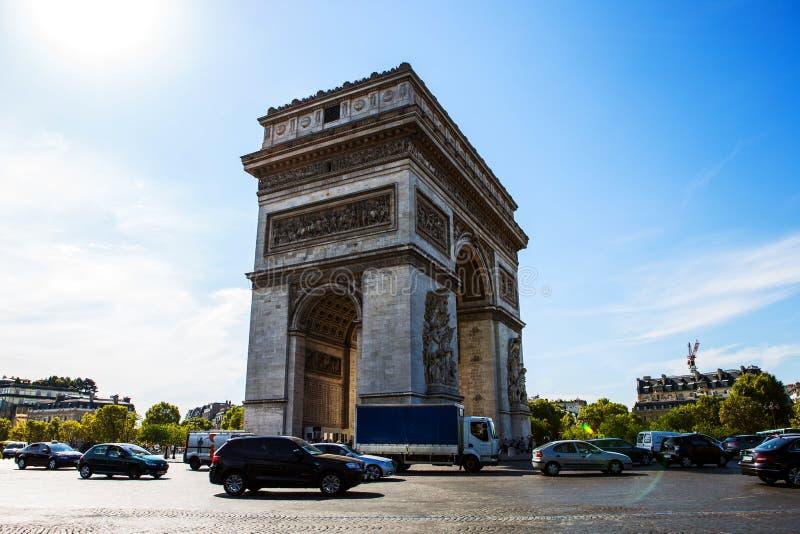 L`arc de Triomphe in Paris royalty free stock image