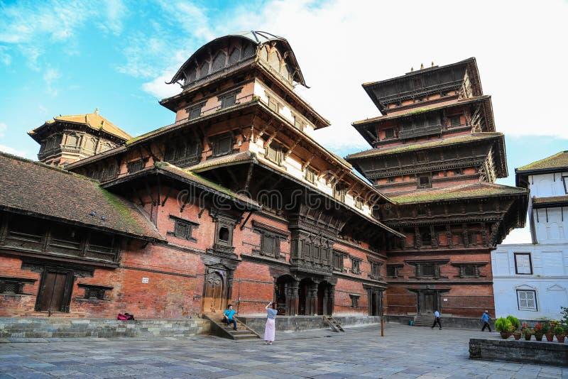 Download L'architecture Dans La Place Durbar De Katmandou Au Népal Image éditorial - Image du nuages, ciel: 45363585