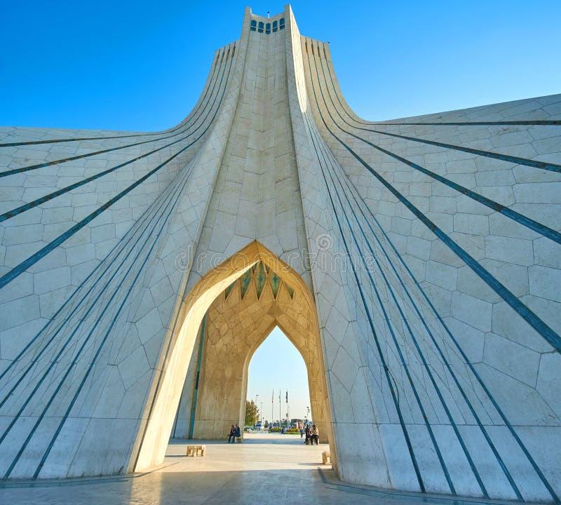 L'architecture de la tour d'Azadi à Téhéran, Iran images stock
