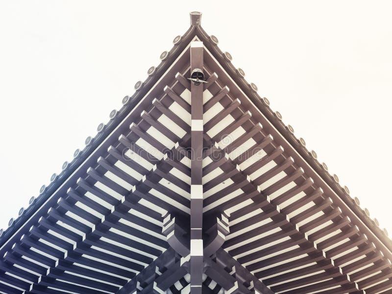 L'architecture traditionnelle de toit du Japon détaille l'éclat de Japonais photographie stock