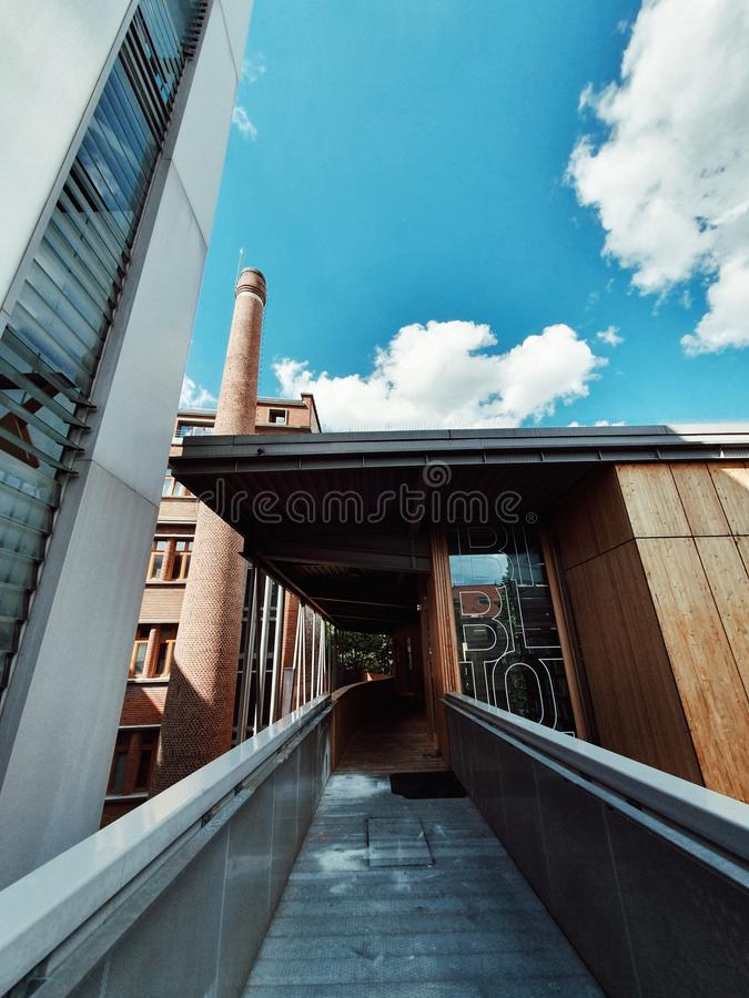 L'architettura contemporanea moderna della scuola architettonica di Belleville, Parigi, Francia fotografie stock libere da diritti