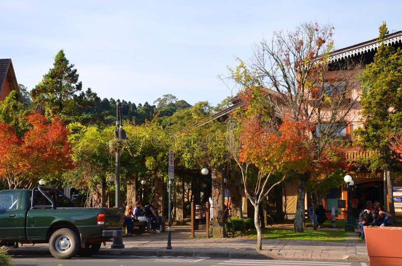 L'architettura urbana nel centro urbano, Gramado, Rio Grande fa Sul, Brasile: fotografie stock libere da diritti