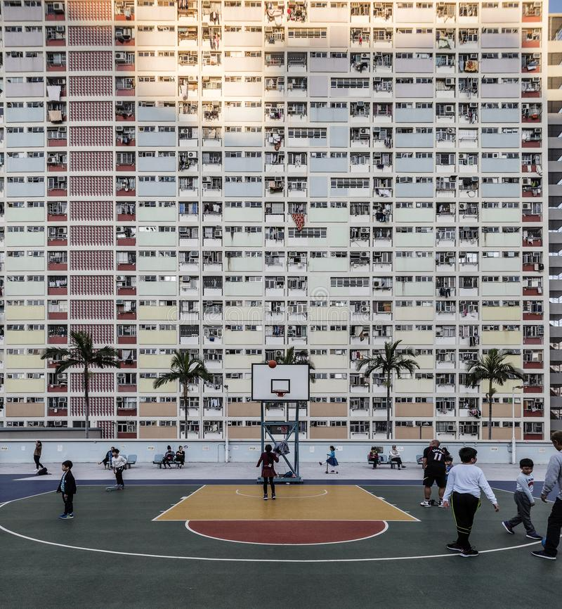 L'arcobaleno ha colorato l'appartamento nella proprietà di Choi Hung, Hong Kong fotografia stock