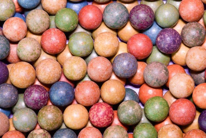 L'argile marbre des boules Rétro jouets Jouets de vintage Marbres de petit pain/jeu de pousse L'image peut être utilisée comme fo photos stock