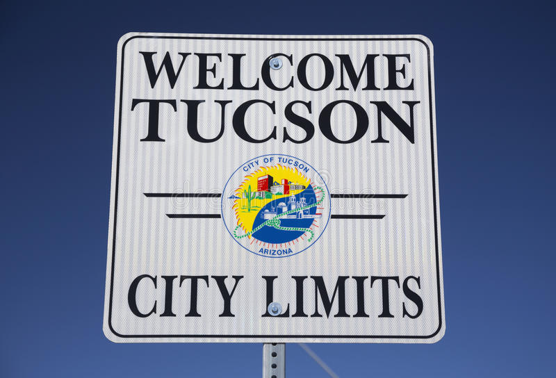 L'Arizona, Tucson, U.S.A., l'11 aprile 2015, benvenuto a Tucson Arizona, limiti di città, fotografie stock