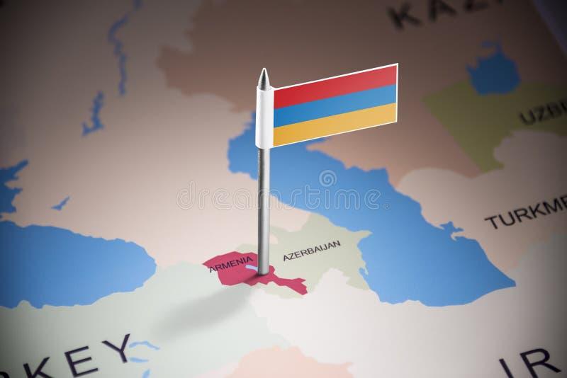 L'Arménie a identifié par un drapeau sur la carte photographie stock