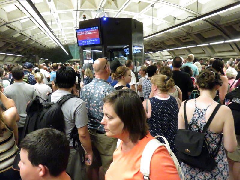 L'arrêt de métro dans le Washington DC est confiture emballée photographie stock