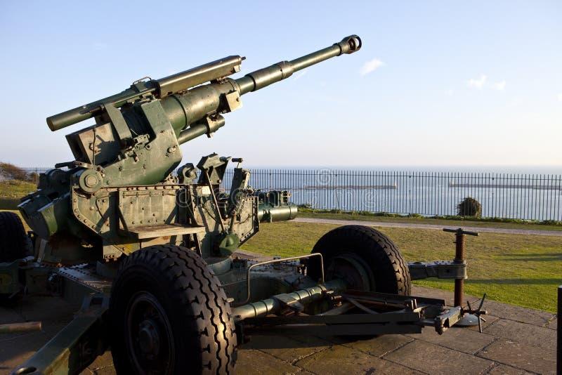 L'artillerie WW2 s'est dirigée à la Manche images stock