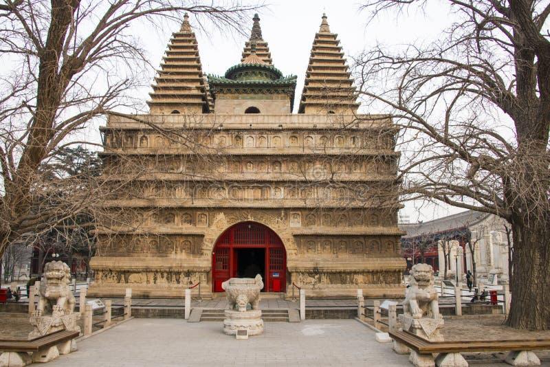 L'Asia Cina, Pechino, torre di scultura di pietra del trono di ŒKing Kong del ¼ del museumï di arte fotografie stock libere da diritti