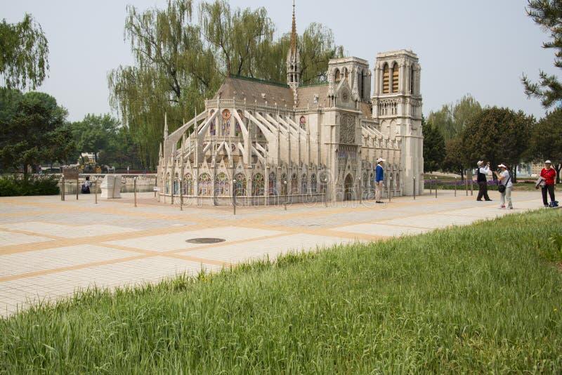 L'Asie Chine, Pékin, le parc du monde, paysage miniature, Notre Dame de Paris images libres de droits
