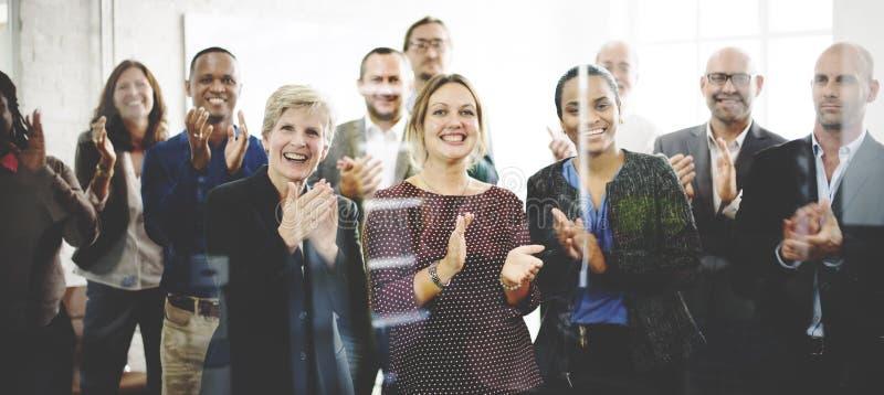 L'assistance applaudissent le concept de applaudissement de formation d'appréciation de bonheur image stock