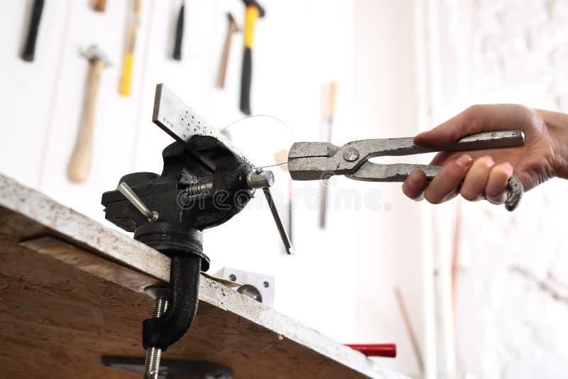 L'atelier du bijoutier image libre de droits
