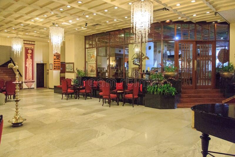 L'atrio dell'hotel orientale del theGrand, costruzione coloniale di lusso alla via di York a Colombo, Sri Lanka fotografia stock