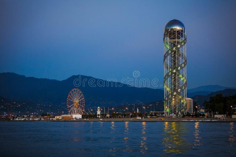 L'attraction unique de Batumi est la tour d'alphabet photo stock